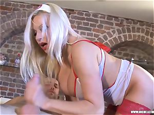 Michelle Thorne rubdown parlour offers jaws coochie drill