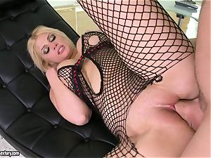 Brooklyn Bailey luvs the muscular sword working stiff to pour out on her