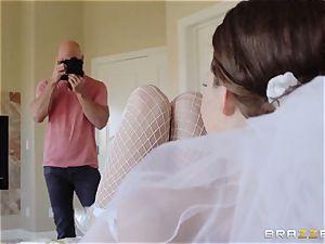 Jenni Lee humping her wedding cameraman