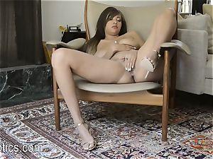 Cassidy Banks enjoys to jack
