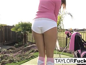 Taylor shows you her gigantic bra-stuffers