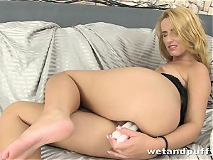 jaw-dropping lengthy haired platinum-blonde luvs pissing