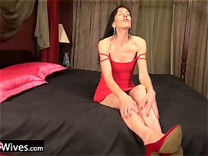 USAwives Penny Jones grannie and Rubber Adult toys