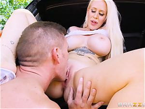 Alicia Amira takes dick deep in the puss outdoors