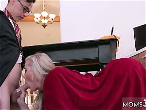 Mature mom very first time Halloween off the hook With A threeway