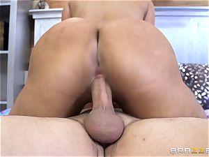 Valerie Kay sucking off Keiran Lee