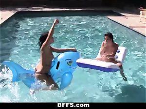 BFFS - lesbian hump Pool soiree!
