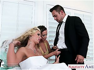 Jada Stevens And Phoenix Marie have a enthusiasm for pleasuring